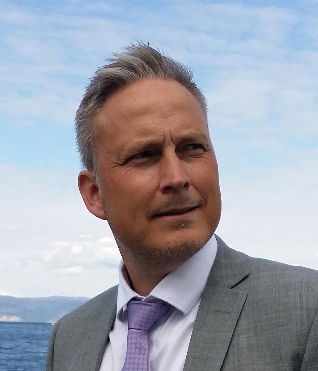 Morten Ustad1